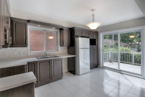 2360_rue_du_capitaine_bernier_MLS8389522_HID619101_ROOMcuisinekitchen1